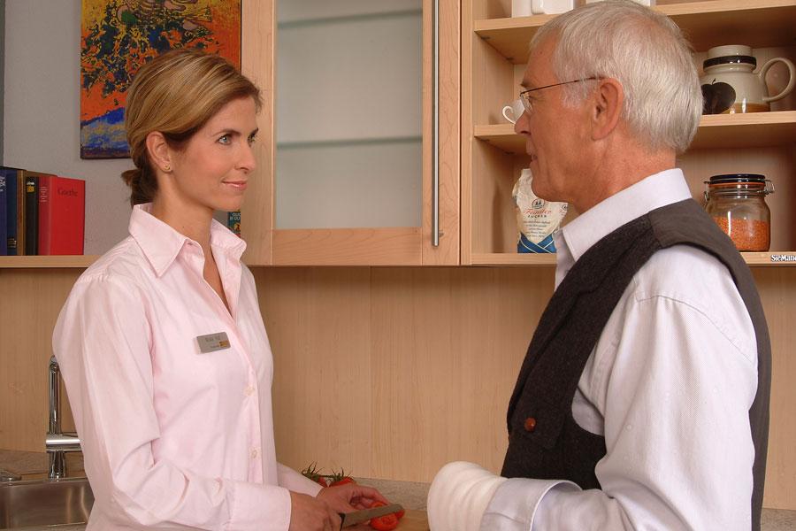 Der ASB Coburg stellt mit vor Ort tätigen Fachkräften vielfältige Dienstleistungen zur Verfügung, die nach individuellem Bedarf abgerufen werden können